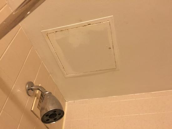 Sheraton Suites Wilmington Downtown Hotel: The Access Panel Is Rusting And  Needs Rust Removal,