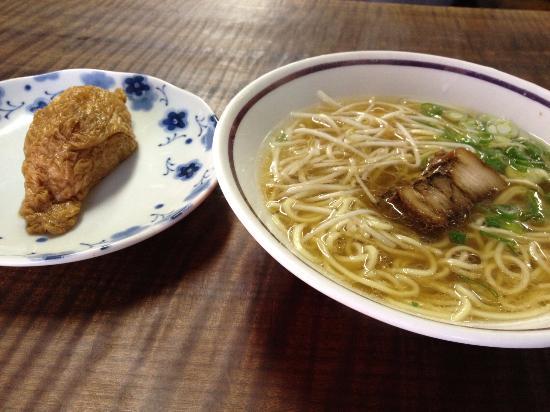 Suooshima-cho, Japón: ラーメンといなりずし