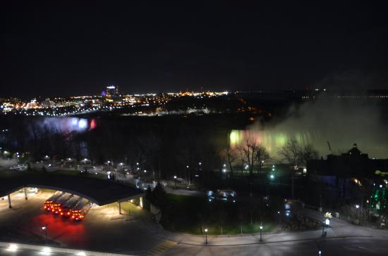 Oakes Hotel Overlooking the Falls: Colors of the falls at night - view from room