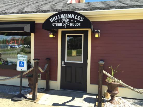 Waldoboro, Μέιν: Bullwinkle's Entrance
