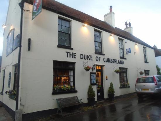 Barham, UK: Pub front