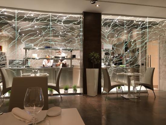 Cucina a vista fantastica - Picture of Ristorante Livello1, Rome ...
