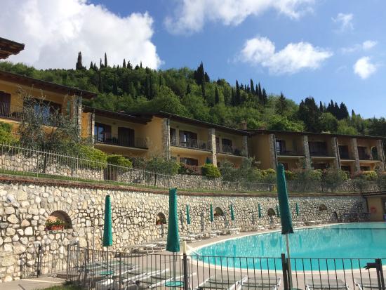 Tignale, Italia: Four apartments per house.