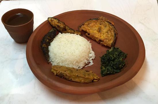the delicious bengali delicacies made in maa taras kitchen - Taras Kitchen