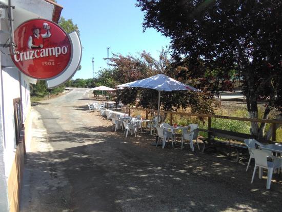 El Ronquillo, İspanya: pegado al barranco de la lana