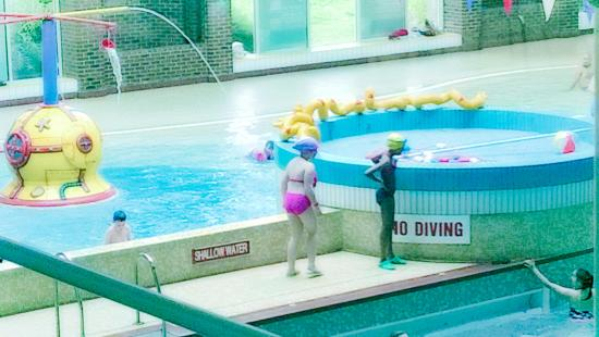 kingfisher leisure pool with beach wave machine and water feature kingston kt1 picture of