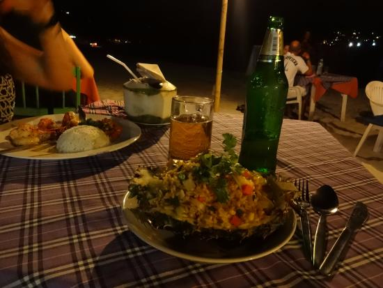 Crystal Restaurant and Bar: prawns, coconut water, fried rice in a pineapple