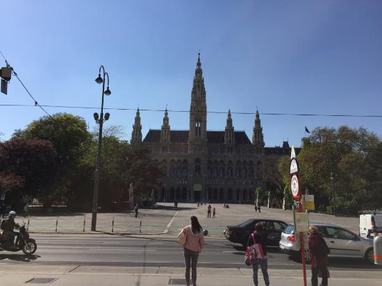 Rathaus: Visto da lontano