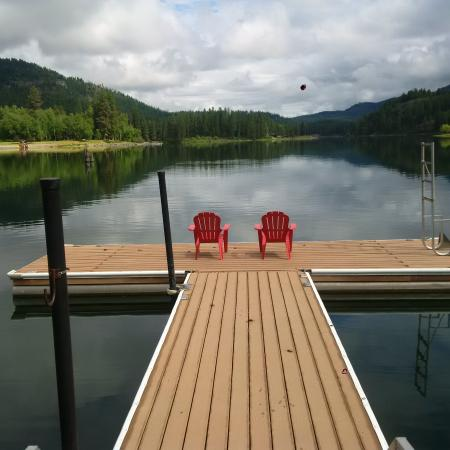 Ione, WA: Perfect for fishing,swimming or just relaxing!!!