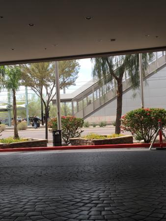 Crowne Plaza Phoenix Airport: photo1.jpg
