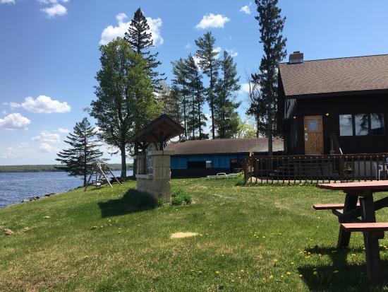 Marenisco, MI: Gogebic lodge has lots of space for friends