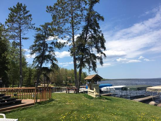 Marenisco, MI: Gogebic lodge has lots of space for friends