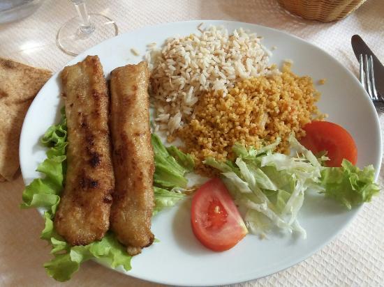 Entr es hommos belahme houmous l 39 agneau et pignons - La table libanaise restaurant et traiteur libanais a paris 15 ...
