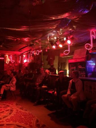 Red's Lounge: photo0.jpg