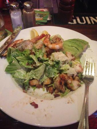 Patterson's Pub: Hollywood salad, should've taken a pic before eating it!