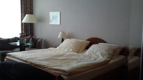 Kurpark-Hotel: Our room
