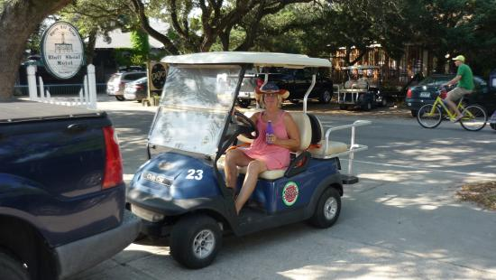 Bluff Shoal Motel: Leaving room to go roaming in our golf cart. So much fun.