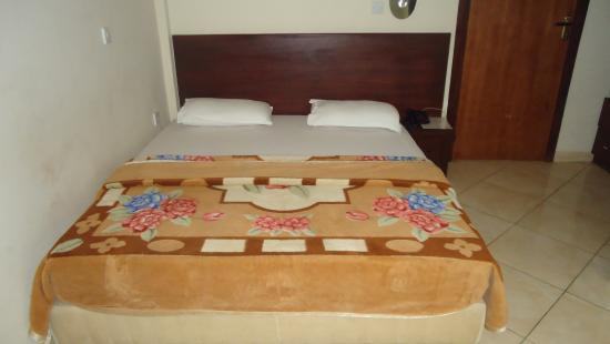 Wadoma Royale Hotel : Double bed room