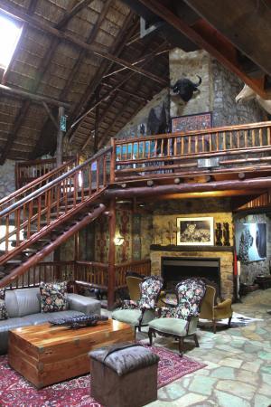 The Farm Inn: The awesome lobby