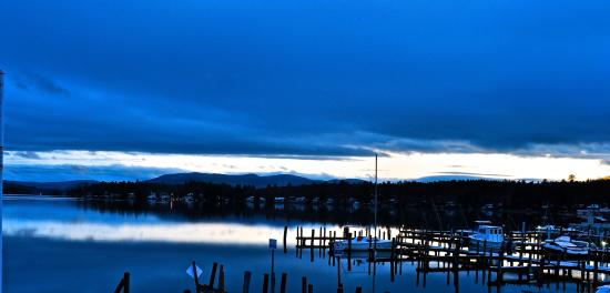Wolfeboro, Nueva Hampshire: Sunset view from the porch