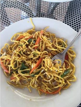 Moorings Mariner Inn Hotel: The best Chow Mein ever!
