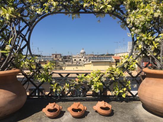 terrazza panoramica dell\'hotel, dove si fa colazione :) - Foto di ...