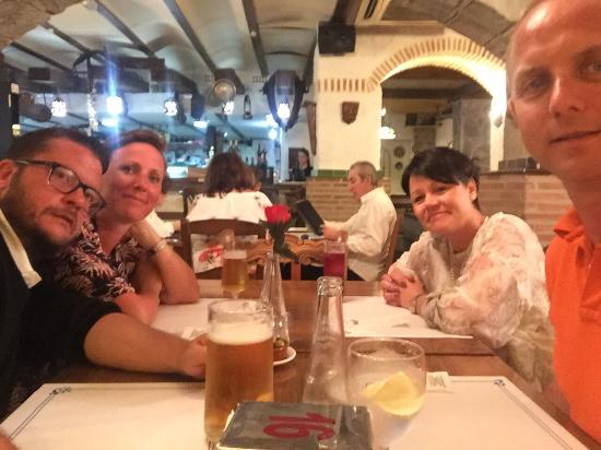 San Luis de Sabinillas, Spain: Hyggelig Resturant