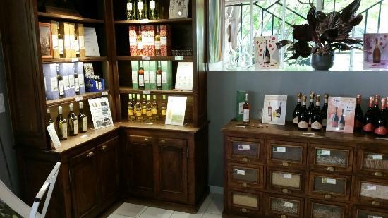 Distilleries et Domaines de Provence: 20160521_163222_large.jpg