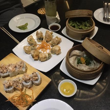 Bonsai Sushi : Todas estas entradas no estaban frescas, bien presentadas pero....