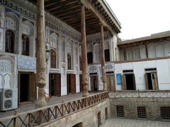 Fayzulla Khujayev House: IMG_20160511_164736_large.jpg
