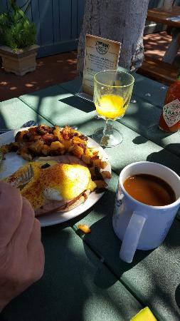 Summerland, Califórnia: Super great service, tasty food.