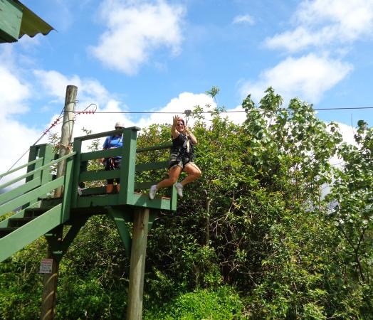 Hanamaulu, Havai: Just leaving one of the zipline ramps.