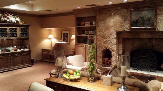 The Houstonian: Concierge Lounge