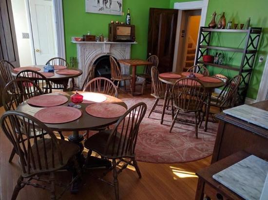 Stepping Stone Inn: Dining room