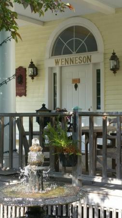 Andor Wenneson Inn: 20160520_172709_large.jpg
