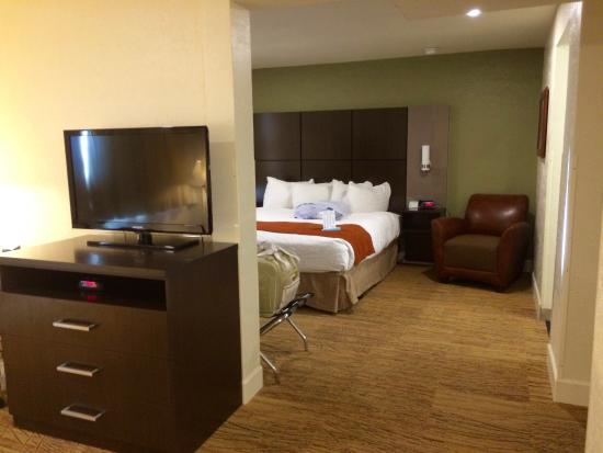 BEST WESTERN Pony Soldier Inn & Suites: New carpet, new bed, new lights and very spacious!