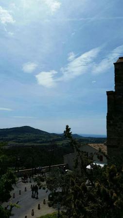 Le Castellet, فرنسا: Snapchat-5578261081741273793_large.jpg