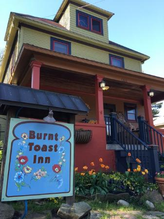 Burnt Toast Inn: This place is so charming !!!
