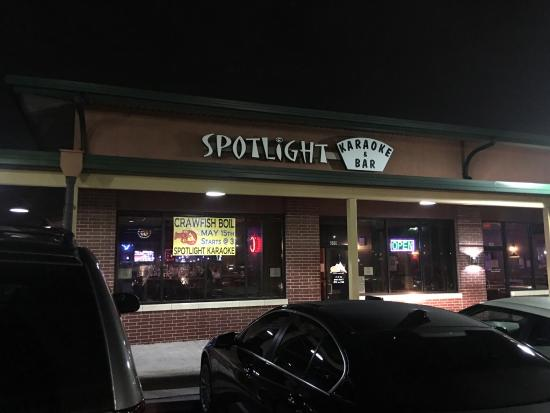 ‪Spotlight Karaoke Bar‬