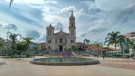 Bom Jesus Do Itabapoana, RJ: Igreja Matriz do Senhor Bom Jesus