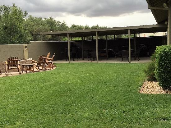Corning, CA: Club House Lawn and Patio