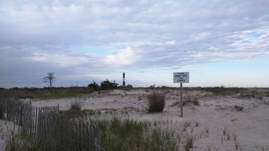 Patchogue, نيويورك: Stay off the dunes!