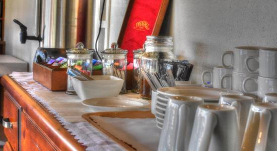 Hamilton Lonsdale Motel: Breakfast Room