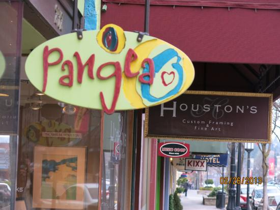 Ashland, Oregon, is a delightful town for a few days' visit. Pangea is perfect for fine, fresh m