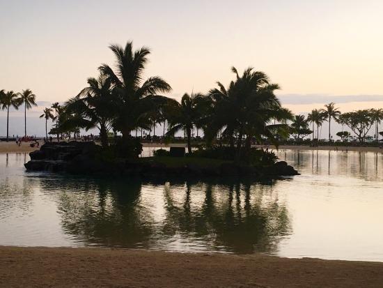 Grand Waikikian by Hilton Grand Vacations: photo1.jpg