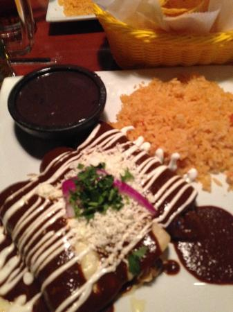 Clarksville, Теннесси: Enchiladas Bang Bang and Enchiladas de Mole