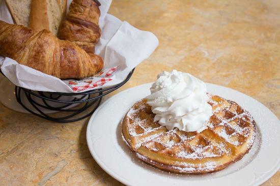 Olde Marco Island Inn and Suites: Petit Soleil food