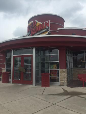 Red Robin Gourmet Burgers: photo0.jpg
