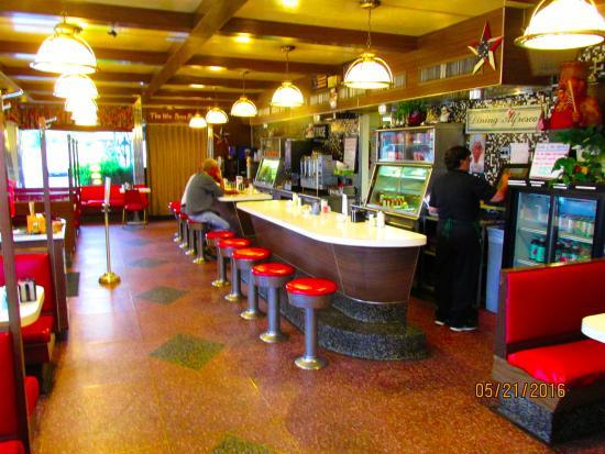Gap Diner Family Restaurant Counter