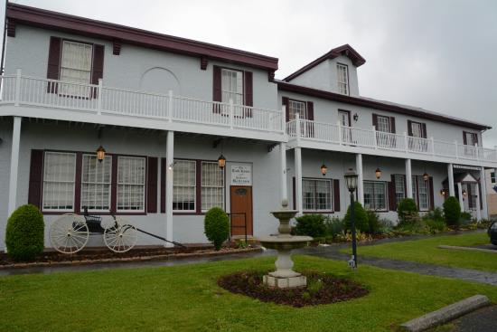Emmitsburg, MD: The front of the Carriage House Inn